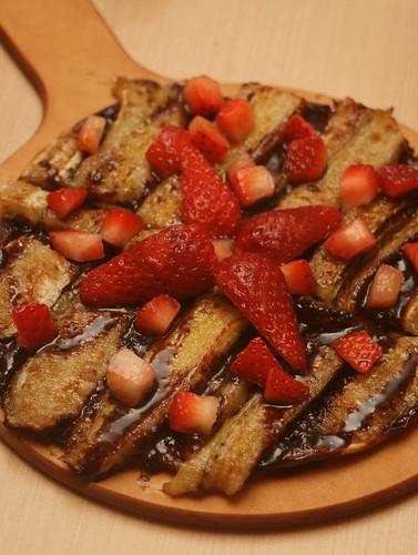 Choco-berry banana pizza