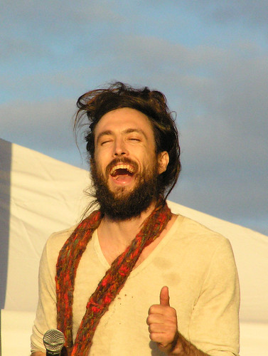 Edward Sharpe & The Magnetic Zeros - P4211745-2.jpg