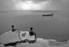 On the Edge of Erosion (Taste_of_Cherry) Tags: life boy water river boat erosion soil edge bangladesh maowa vagyakul