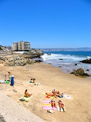 Valparaso Beach (The Santiago Times) Tags: ocean sun beach mar playa bathing valparaso bronzeando