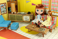 So this is what it was like to be a dolly in 1962? (Squirrel Junkie) Tags: house vintage squirrel dream mint skipper piccadilly redhead cardboard blythe barbies minty takara 1962 licca sbl picca vintageskipper barbiesdreamhouse