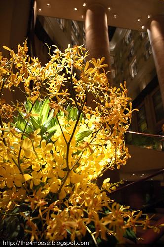 Fullerton Hotel - Flowers