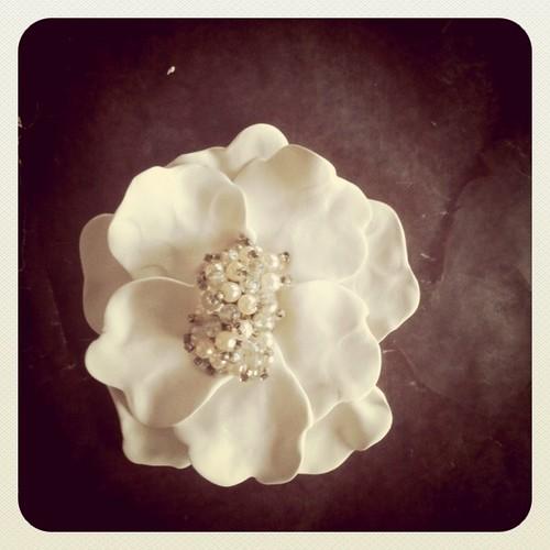 Clay Flowers Tutorials: Crafty Jewelry: Charming Clay Flowers Tutorial