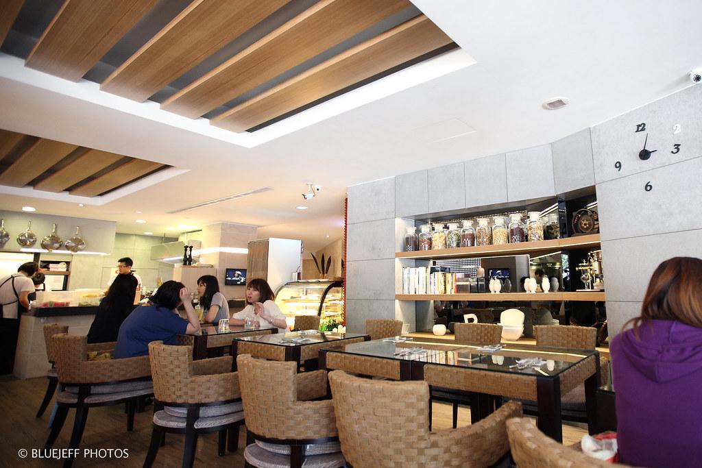 Mr.2 Coffee Shop