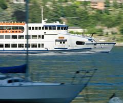 Take me a pic* (Six®) Tags: lake como primavera lago boat gita sole panning lombardia domenica lario caldo motoscafi laglio imbarcadero stagione