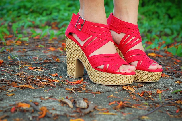 Bamboo Strappy Red Platform Sandals