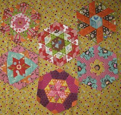 Die Hlfte - English Paper Piecing (susinoss2001) Tags: moda scraps jellyroll handpiecing englishpaperpiecing charmpack