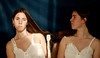 Hermanas (Eme de Marte) Tags: hermanas retrato amor tripas madeja luznatural microcuatrotercios