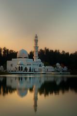 reflection (kucuk88) Tags: sunset dawn nikon muslim mosque malaysia terengganu senja 50mmf18 touraroundtheworld masjidterapungfloatingmosque