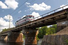 Under A Simpson Sky (StarlightHope) Tags: railroad bridge summer train railway locomotive bro trainbridge sommar allys lok tg tgbro