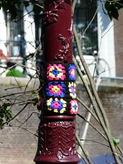 urban knitting (Judy **) Tags: streetlight streetlamp lantaarn 2011 urbanknitting