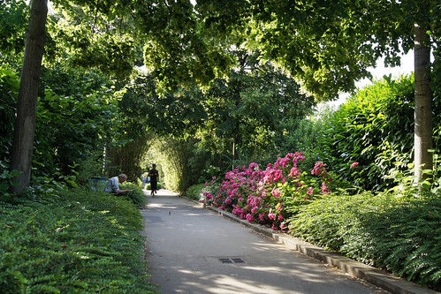 la Promenade Plantee (by: besopha, creative commons license)