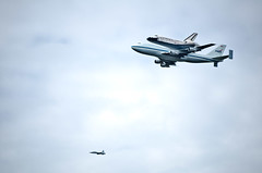 Shuttle over the mall (mr_mayer) Tags: dc flight nasa shuttle discovery 747 flyover