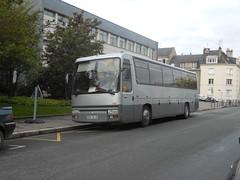 616 Renault FR1 - 9 mai 2012 (Rue Galpin Thiou - Tours) (Padicha) Tags: old bus buses car coach may fil voiture bleu former gadget vieux ancien cadeau letramdetours padicha semitrat