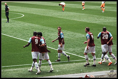 Always Believe iiiiiiiiin Carlton Cole! ( Hammer Head ) Tags: uk london sport football goal cole stadium soccer nolan taylor pitch players celebrate wembley wembleystadium hammers demel irons collison westhamunited westham newwembley tomkins carltoncole powershotg10