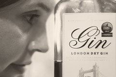 IMG_5543 (*Vindaloo*) Tags: selfportrait gin
