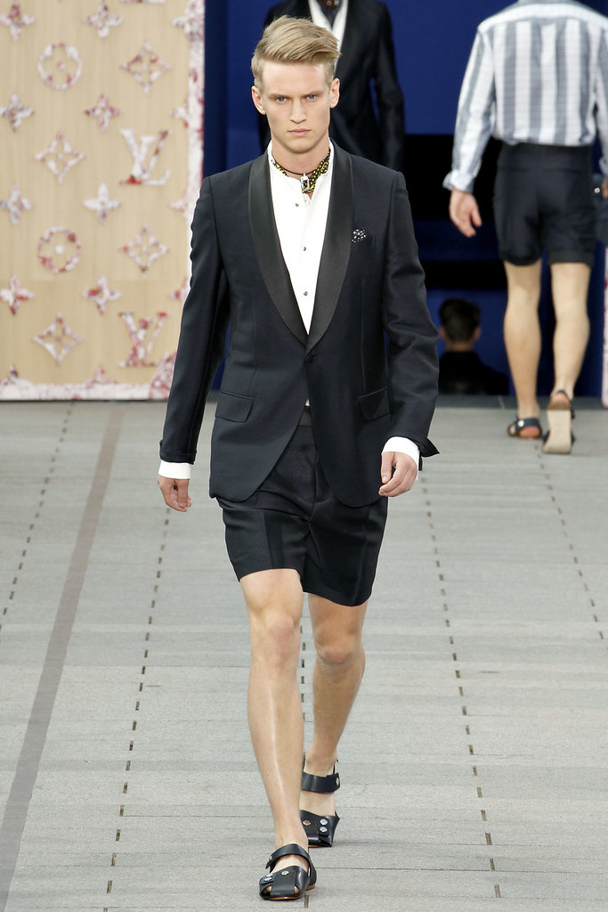 Alexander Johansson3327_SS12 Paris Louis Vuitton(VOGUEcom)