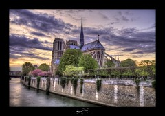 Cathdrale Notre Dame de Paris coucher de soleil HDR by D.F.N. ('^_^ D.F.N. Damail ^_^') Tags: voyage city bridge sky favorite paris france color art love monument seine architecture canon pose word french geotagged fun photography photo reflex europe long flickr gallery photographie photos mark picture award best ponte fave lumiere views pont 5d capitale dame monde iledefrance franais hdr couleur clounds clound francais artiste photographe 1635 longue 1635mm favoris photomatix fleure poselongue poseb dfn damail borderfx 5dmarkii wwwdamailfr