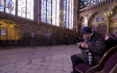 Ghosts in the Sainte Chapelle (the7thDOF) Tags: paris france photo movement nikon foto angle wide wideangle tourist movimiento telephoto angular francia pars saintechapelle granangular d60 japanesse