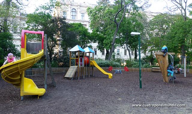 Parque cerca de la catedral