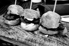 Sliders (Carlos Cruz Trabanino) Tags: bw food film restaurant wooden nikon board 150 negative tapas burgers wa epson peppers rodinal ilford fp4 f4 tablas millcreek sliders v500 adox adonal carloscruzphotography 2880aff3556