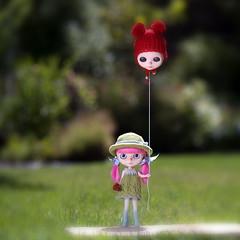 Air Head (EmilyGray & HenryPoole) Tags: doll head air humor balloon guava blythe custom simply takara