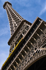 Eiffel Tower Dayshot in Vegas (Alex Sablan) Tags: vegas lasvegas eiffeltower eiffel lasvegasstrip byalexsablan