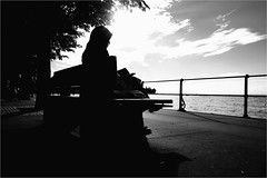 000100 0 (la_imagen) Tags: sokak sw bw blackandwhite siyahbeyaz street streetandsituation streetlife strasenfotografieistkeinverbrechen momochrome streetphotography menschen people insan bodensee laimagen lakeconstanze lagodiconstanza lagodeconstanza bregenz