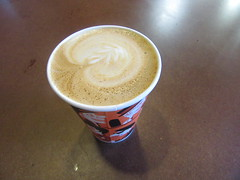 Cappuccino Flower in a paper cup (cohodas208c) Tags: milwaukee collectivo coffeeshop cappuccino papercup