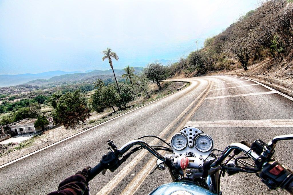 il viaggio in moto per il mondo di claudio giovenzana