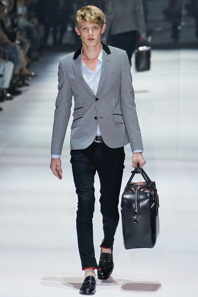 SS12 Milan Gucci001_Lenz von Johnston(VOGUEcom)