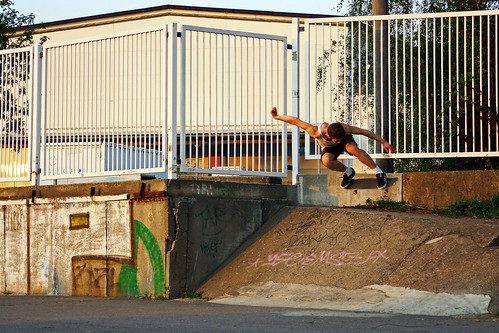 Niklas Funke - Backside Ollie
