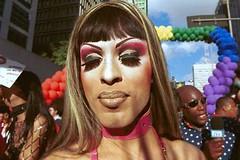 Parada LGBTS - 2002 (Foto Galeria Jesus Carlos) Tags: violncia manifestao lsbicas homofobia transexuais bisexuais paradalgbts travestisgayslsbicastransexuaisbisexuaisparadalgbtsmanifestaohomofobiaviolncia sopaulosopaulobrasilgays