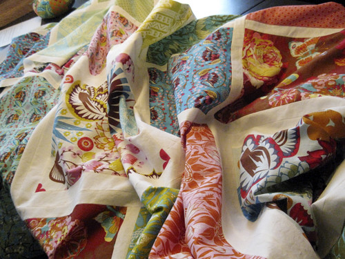 Loulouthi Tiles Quilt, pieced!