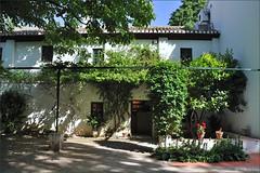 Granada : The Federico Garca Lorca house  2/4 (Pantchoa) Tags: espaa house museum casa andaluca spain nikon granada museo andalusia garcalorca rawfile huertadesanvicente d90 federicogarcalorca capturenx2 viewnx2