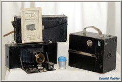 No.2A folding pocket brownie model A.  No name, pas de nom. N 380,  664 (donaldpoirier93@yahoo.fr) Tags: camera box collection brownie pocket noname bellows kamera folding camra collector boxcamera foldingcamera cameracollection inconnu appareilphoto sansnom soufflet vintagecameracollection collectionneur pasdenom collectiondappareilsphoto collectiondecamras browniemodela no2afoldingpocket collectiondecameras n664 n380