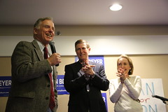 """Howard Dean Rally • <a style=""""font-size:0.8em;"""" href=""""http://www.flickr.com/photos/117301827@N08/14046789278/"""" target=""""_blank"""">View on Flickr</a>"""
