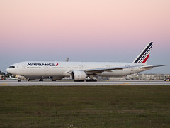 F-GZNI (amcripps57) Tags: france make airport europe aircraft boeing airlines registration airfrance b777 kmia fgzni