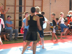 "zomerspelen 2013 karate clinic • <a style=""font-size:0.8em;"" href=""http://www.flickr.com/photos/125345099@N08/14384094446/"" target=""_blank"">View on Flickr</a>"