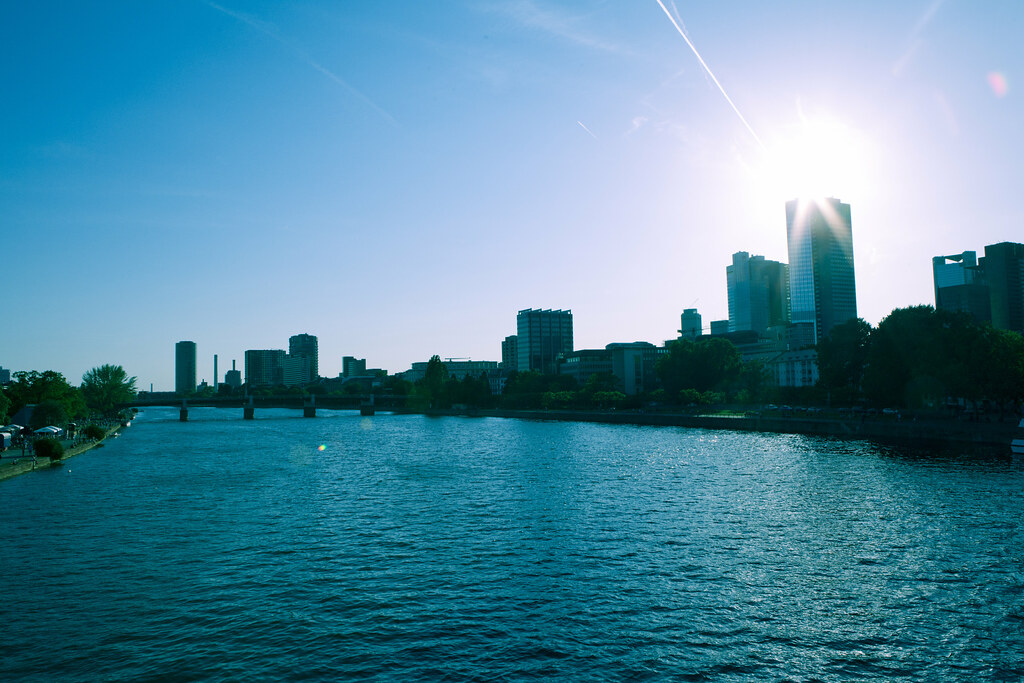 Frankfurt + Main River