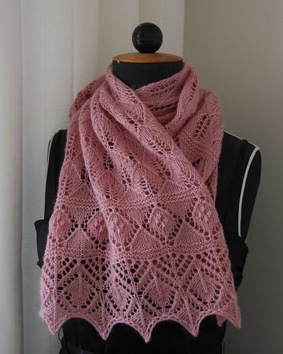 KYH 10/25 Lilac leaf shawl