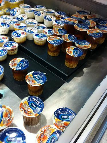 mote con huesillo en el supermercado