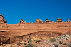 UNITED STATES OF AMERICA - Delicate Arch - Arches National Park, Utah (Jo*DNo) Tags: park usa mountains west america canon landscape eos 350d unitedstates united parks arches canyon wanderlust national states delicate nationalparks unis delicatearch montagnes amrique canion tatsunis tats