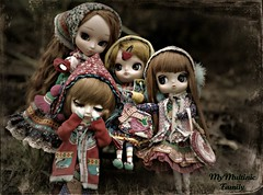 A Multinic Family Reunion... Tete may be in tears <3 (sai's~fake~smile) Tags: dal pullip delorean tete yona stefie isul byul