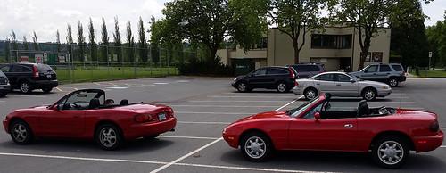 Mazda Miata 1999 NB and 1990 NA in classic red (D70) Tags: park city red lake canada classic nature bc parking lot 1999 nb class na burnaby mazda miata regional 1990 197lgd
