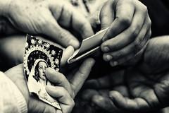 La estampita (JM Bra) Tags: manos semanasanta 2015 huelva virado