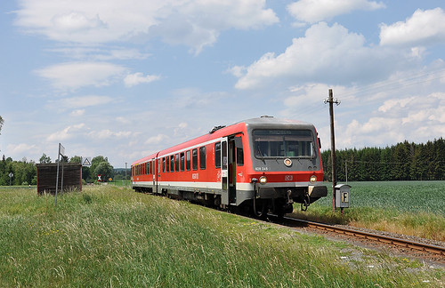 628 245 am grünen Bahnsteig Hildbrandsgrün.