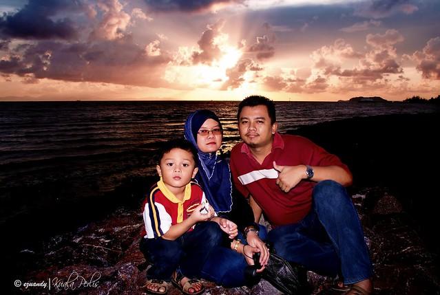 Family & sunset @Kuala Perlis