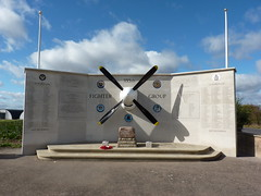 355th Fighter Group Memorial, Steeple Morden, Cambridgeshire ( Claire ) Tags: shadow sunshine station 3d memorial no group 4th bluesky 11 wreath poppy poppies wellington ww2 mustang dday cambridgeshire prop raf propellor airfield 122 secondworldwar squadron thunderbolt p51 vickers worldwartwo p51d p47 usaaf remebrance prg eighthairforce bombercommand steeplemorden 4thfightergroup vickerswellington 355thfg 355thfightergroup 4thfg station122 3dphotographicreconnaissancegroup