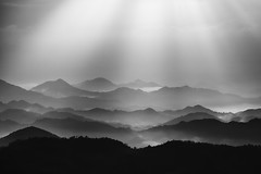 light in the valley (StephenCairns) Tags: morning light blackandwhite bw cloud mist mountains fog valley nocrop 山 岐阜 gifu lightrays 朝 motosu 白黒 霧 光線 岐阜県 stephencairns 70200mmf4isusm mountainlayers canon5dmarkii 5dcanonmarkii 本巣市 lightinthevalley howmanyofthesecanipostbeforeigetaseenitbeforereaction